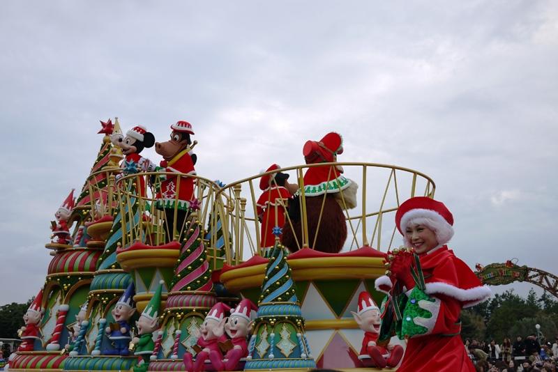 Tokyo Disneyland ~サンタヴィレッジ・パレード~_a0127090_12201947.jpg