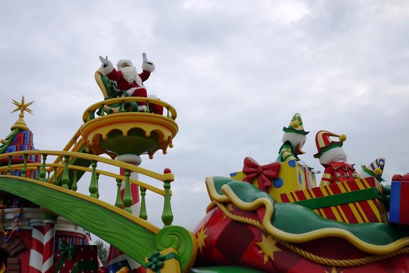 Tokyo Disneyland ~サンタヴィレッジ・パレード~_a0127090_12385355.jpg