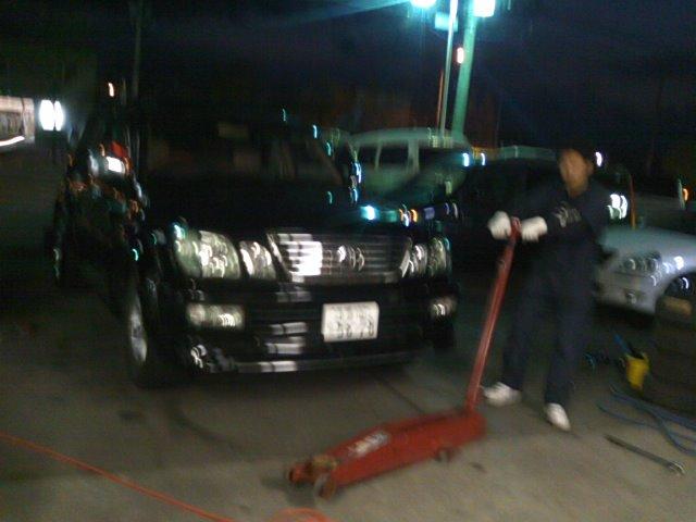 タイヤ交換 トミー ランクル札幌店_b0127002_1651512.jpg