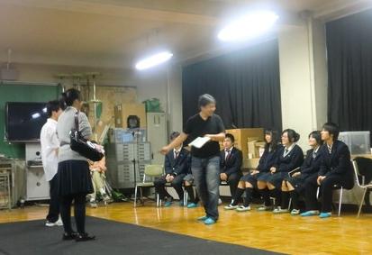 ■2011後期6回目とらあな~越谷南高校演劇部_a0137817_18572725.jpg