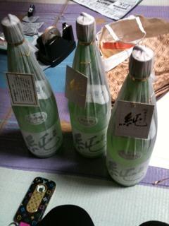 「特別純米」酒カップなど出荷_d0007957_0531327.jpg