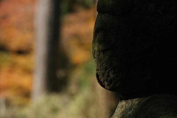 比叡山 延暦寺 相輪橖と香炉丘弥勒石仏_c0196076_2335783.jpg