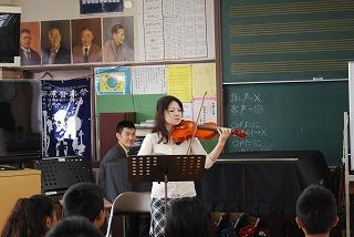 フェアー後の活動 その1 小学校訪問_d0047461_15413293.jpg