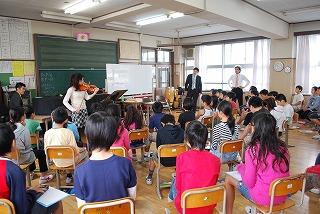 フェアー後の活動 その1 小学校訪問_d0047461_15442591.jpg