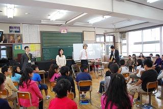 フェアー後の活動 その1 小学校訪問_d0047461_16132865.jpg