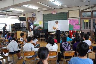 フェアー後の活動 その1 小学校訪問_d0047461_16143999.jpg