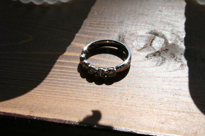 抜けなくなった指輪。_b0220167_0483188.jpg
