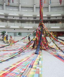 織りと異文化交流見学!_c0183102_041779.jpg