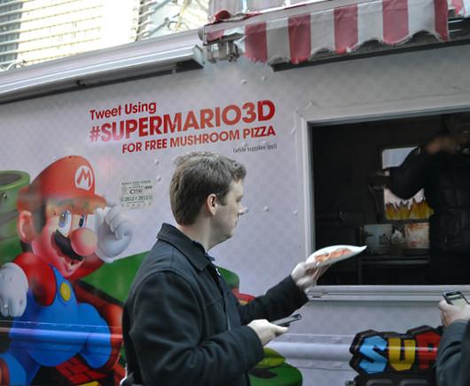 ニューヨークのタイムズ・スクエアがスーパー・マリオ・ランドに変身?!_b0007805_0495270.jpg