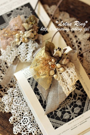 アンティークレースと布花のネックレス*_a0169912_15455726.jpg