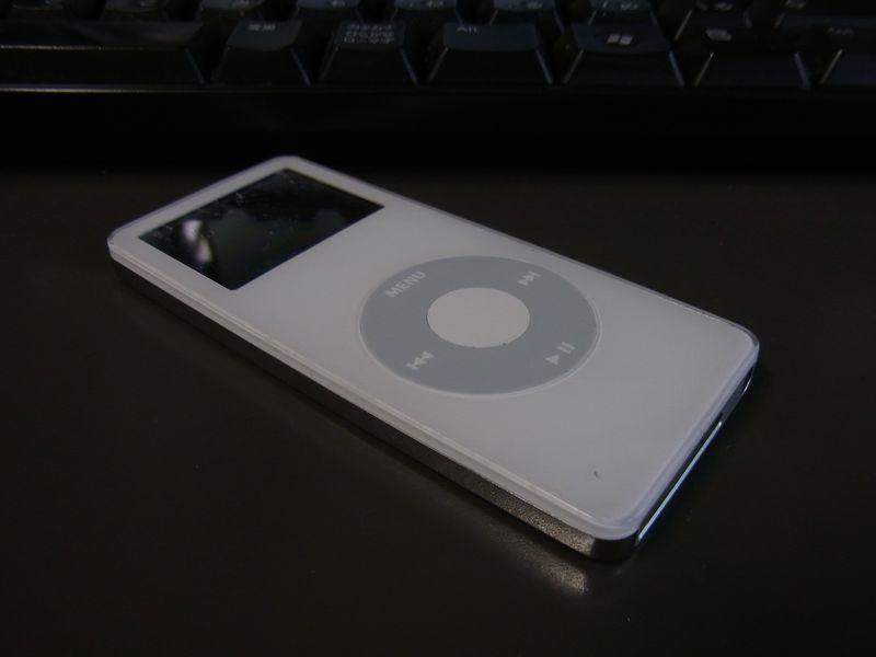 初雪降って iPod nano リコール_c0025115_16571673.jpg