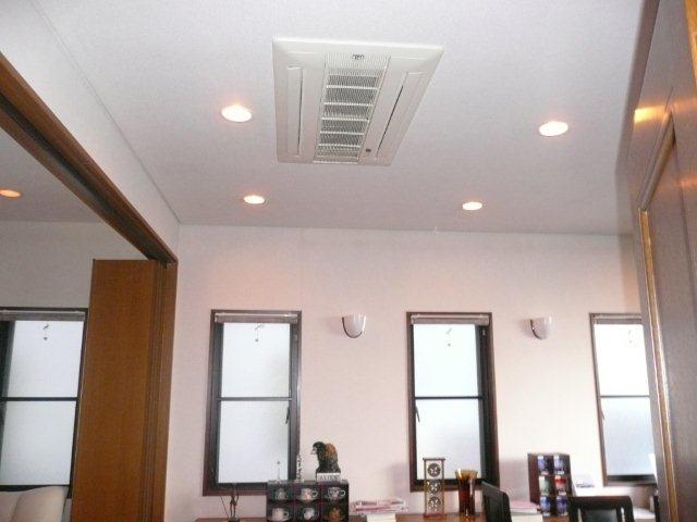 3室マルチエアコン<隠蔽配管仕様>の入替(横浜市)_e0207151_20382715.jpg