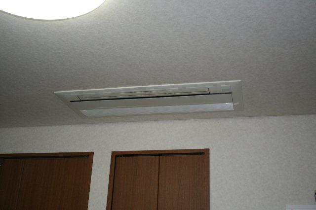 3室マルチエアコン<隠蔽配管仕様>の入替(横浜市)_e0207151_20475382.jpg