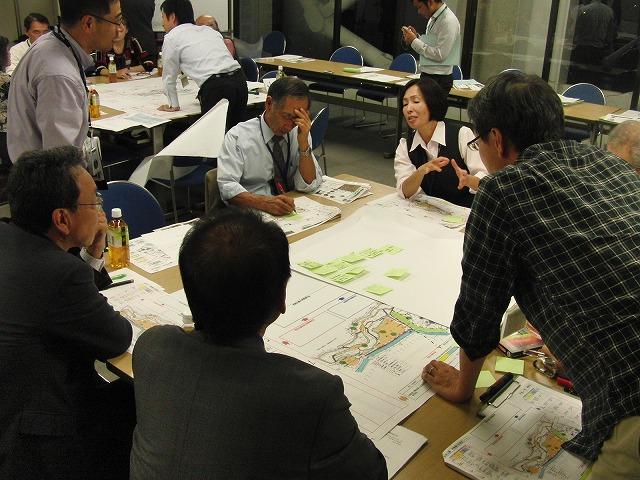 グループごとの検討の進め方が興味深い「吉原公園再整備検討」ワークショップ_f0141310_811998.jpg