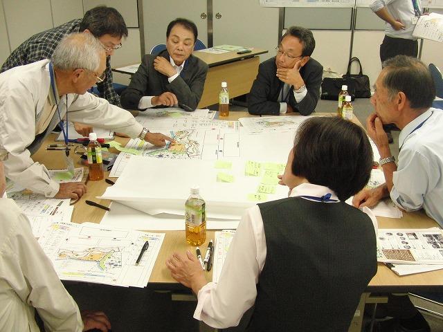 グループごとの検討の進め方が興味深い「吉原公園再整備検討」ワークショップ_f0141310_82244.jpg