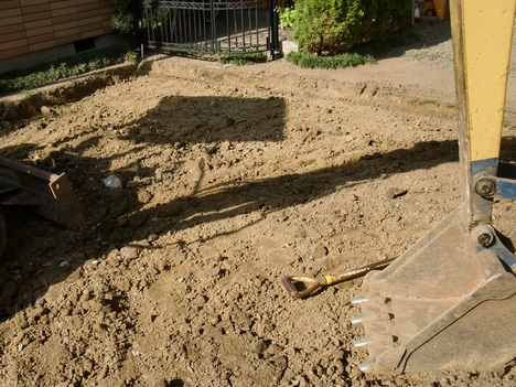 駐車場 ~ コンクリート解体_d0165368_5371752.jpg