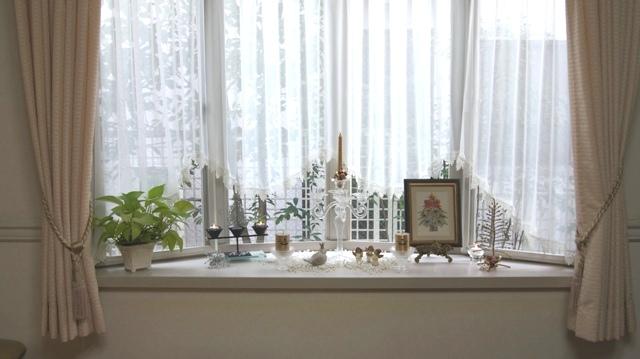 出窓をクリスマスイメージに~♪_f0029571_2245618.jpg
