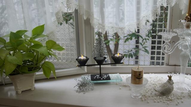 出窓をクリスマスイメージに~♪_f0029571_2541257.jpg
