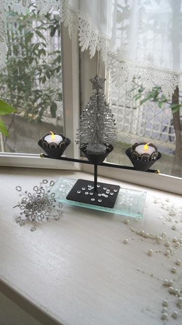 出窓をクリスマスイメージに~♪_f0029571_310929.jpg