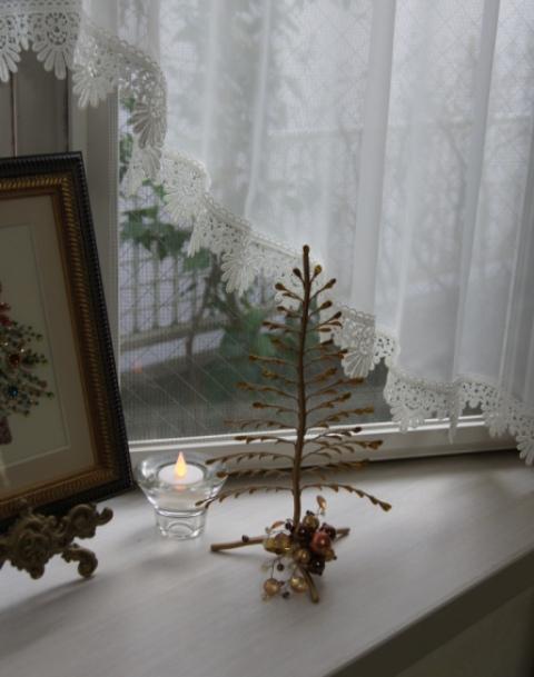 出窓をクリスマスイメージに~♪_f0029571_3184349.jpg
