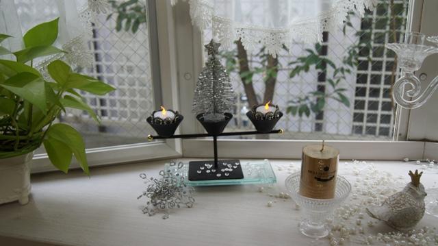 出窓をクリスマスイメージに~♪_f0029571_382369.jpg
