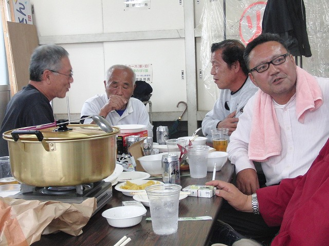 「小潤井川 友の会」設立記念の芋煮会_f0141310_7594560.jpg