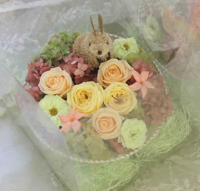 ご両親贈呈の花のギフト ウサギとリス付で_a0042928_071473.jpg