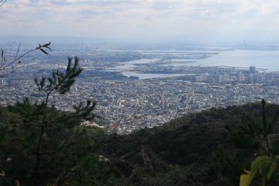 六甲山ロックガーデン・東おたふく山から黒岩西尾根を登る_d0055236_22204756.jpg