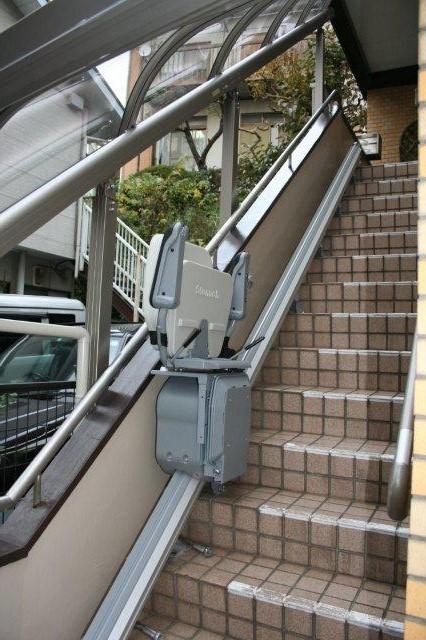 エクステリア&階段昇降機取付が完了しました(横浜市)_e0207151_11463169.jpg