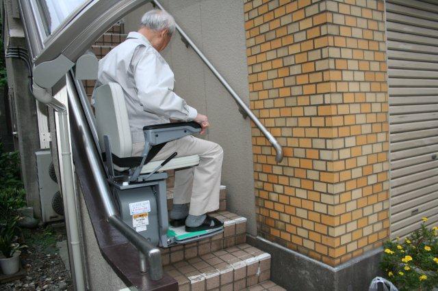 エクステリア&階段昇降機取付が完了しました(横浜市)_e0207151_11464155.jpg