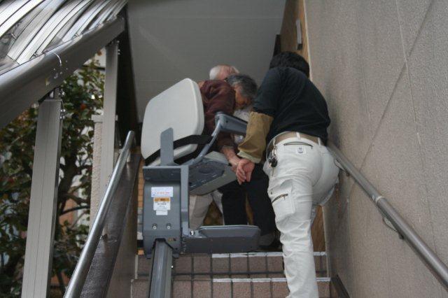 エクステリア&階段昇降機取付が完了しました(横浜市)_e0207151_11465123.jpg