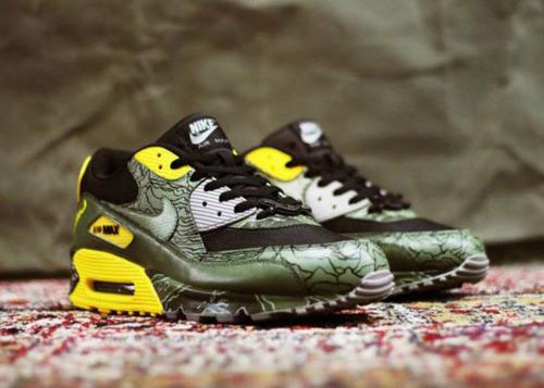 """Nike Air Max 90\'s \""""Unknown Pleasures\""""_e0121640_1941913.jpg"""