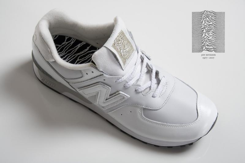 """Nike Air Max 90\'s \""""Unknown Pleasures\""""_e0121640_19552370.jpg"""