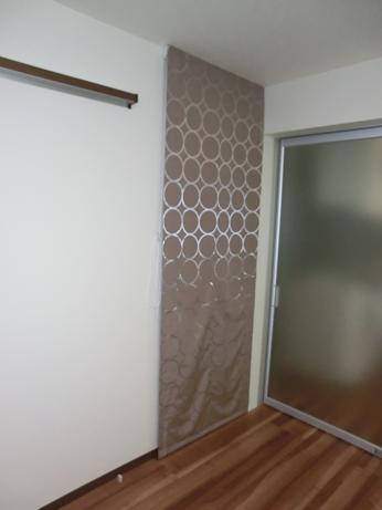 階段ホールにシェードで寒さ対策_e0133255_1961074.jpg