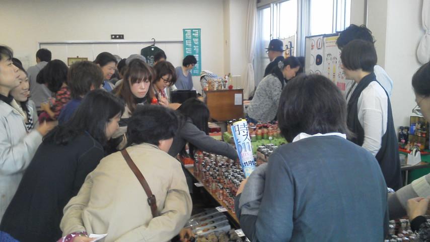 「MY FIRST KOKESHI!~はじめての伝統こけし~    in 高円寺フェス2011」 2011・11・12_b0209890_18214113.jpg