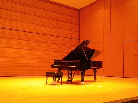 ピアノリサイタル_b0207536_2123677.jpg