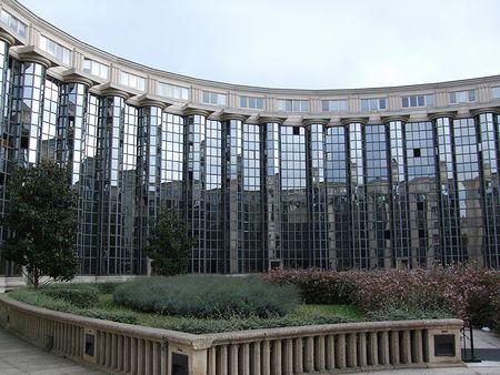 パリの建築(パリ便り5)_c0176078_1526017.jpg