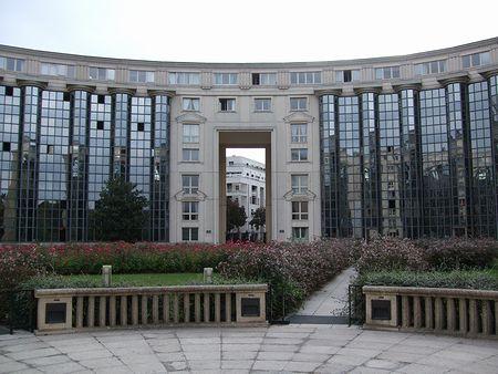 パリの建築(パリ便り5)_c0176078_15261071.jpg