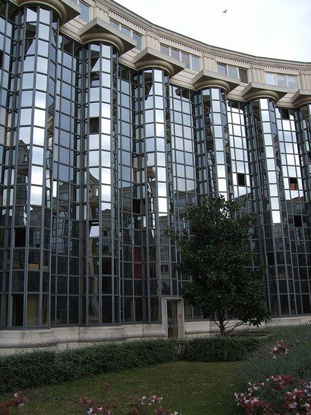 パリの建築(パリ便り5)_c0176078_15263855.jpg