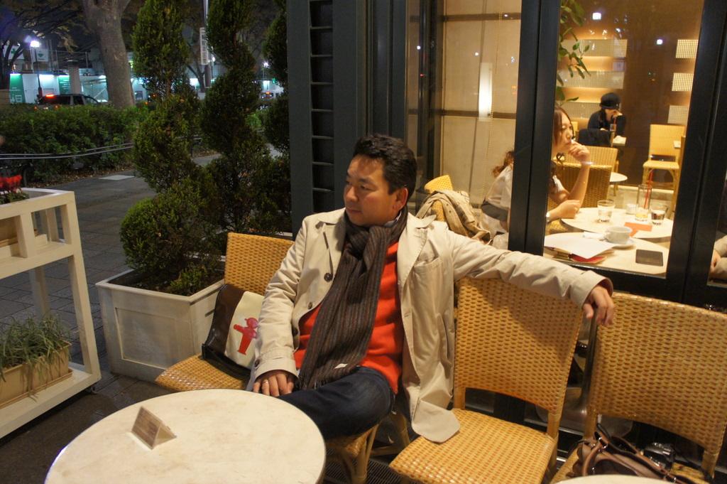 東京散歩、今日は犬の日?_c0180686_10424126.jpg