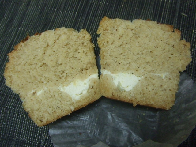 SPOON クリームチーズ&サワークリームのおからマフィン_f0076001_2385069.jpg
