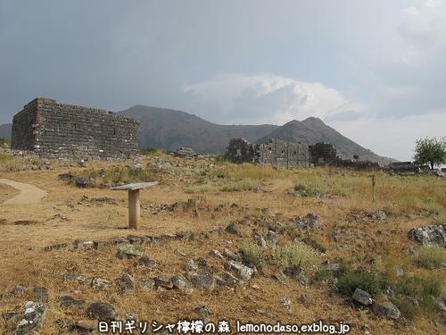 古代オッラオンの建築物Δデルタ_c0010496_10201257.jpg