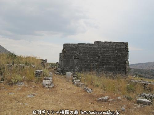 古代オッラオンの建築物Δデルタ_c0010496_10211330.jpg