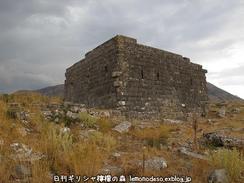 古代オッラオンの建築物Δデルタ_c0010496_109496.jpg