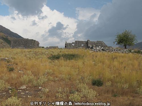 古代オッラオン人の家Β(ベータ)_c0010496_20594081.jpg