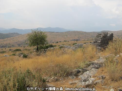 古代オッラオン人の家Β(ベータ)_c0010496_2121855.jpg