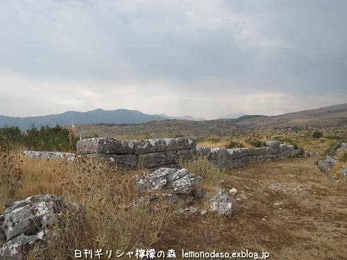 古代オッラオンのアクロポリス_c0010496_18345510.jpg