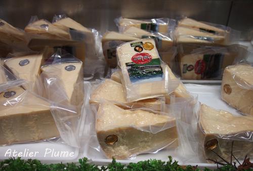 イタリアの旅  パルミジャーノ レッジャーノチーズ工場_e0154202_1752118.jpg