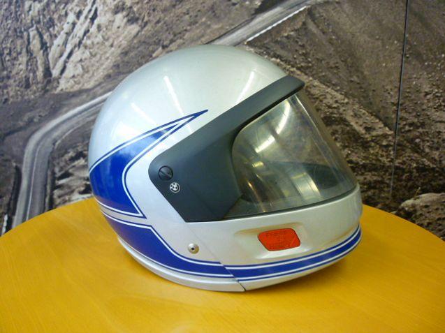 BMW純正ヘルメットの歴史2_e0254365_2103172.jpg