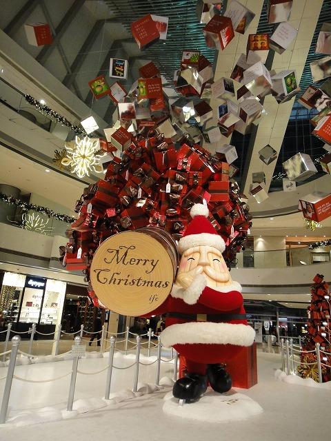 香港はクリスマス一色です_a0152501_2329346.jpg